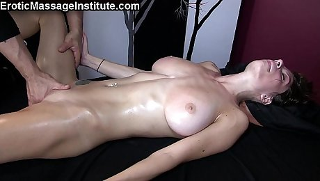 Screaming, Squirting Orgasms w/Dillion Carter
